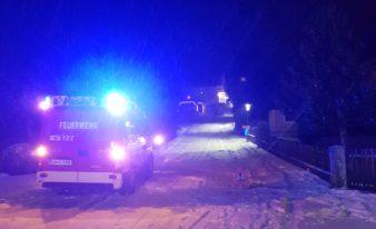 Fahrzeugbergung und Straßensperre auf Grund des starken Schneefalls